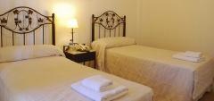 Hotel Asturias - Bedroom