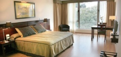 Executive Hotel Park Suites - Bedroom