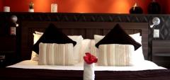 Su Merced - suite bedroom